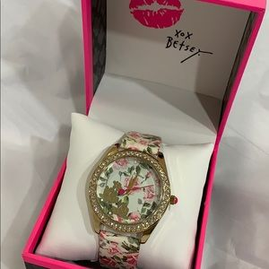 NIB BETSEY JOHNSON Pink Roses on Ivory/Gold Watch!